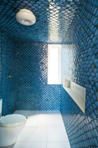 Fish scale tiles in your bathroom